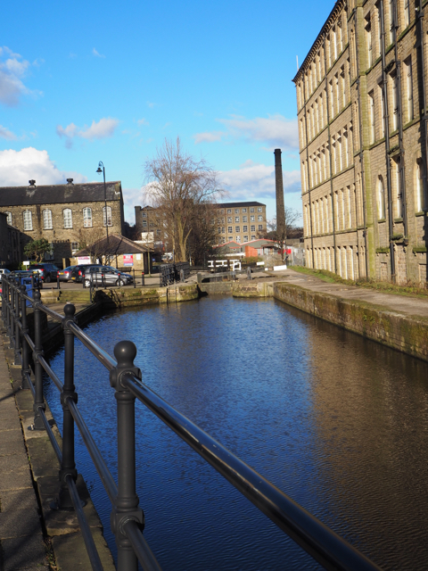 Leeds-Liverpool Canal: the longest canal in northern England (127miles)